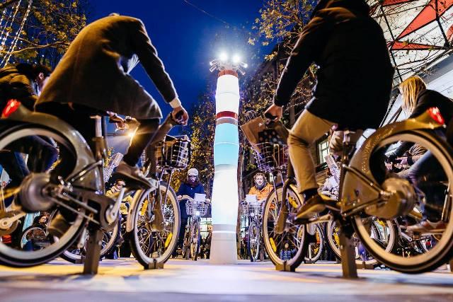 GELEC et IKEA illumine Paris - groupe électrogène vélo