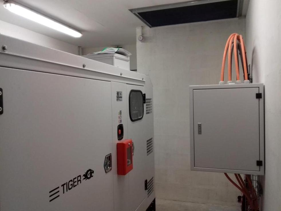 groupe électrogène GELEC base sous-marine de St Nazaire - Groupe électrogène port de Saint-Nazaire